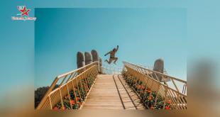 2 phiên bản của cây Cầu Vàng Đà Nẵng khi checkin đẹp chẳng kém