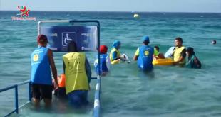 Bãi biển dành cho người khuyết tật tắm biển